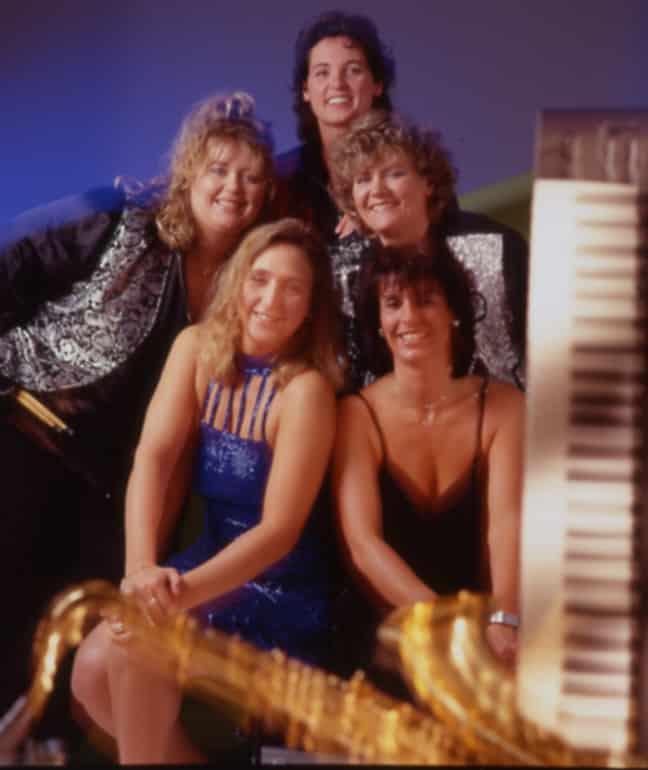 Münchner Queens 2001- Foto mit Keyboard + Saxophon